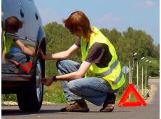 Нужен ли сигнальный жилет автомобилисту в Украине?